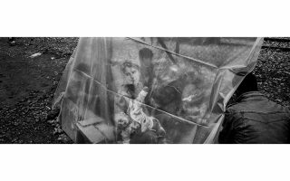 greek-photojournalist-angelos-tzortzinis-wins-world-press-photo-award