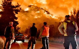 villages-evacuated-as-large-blaze-damages-houses-in-corinthia