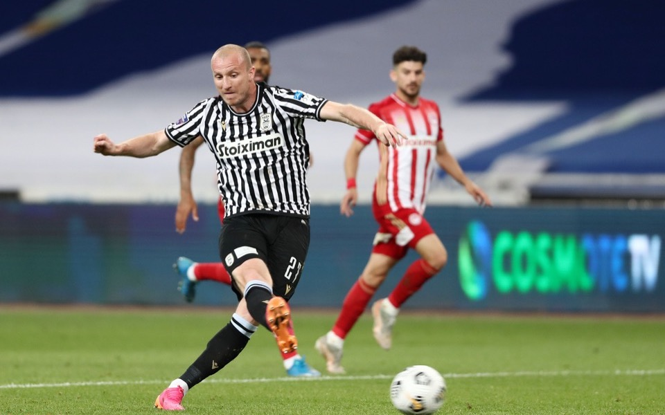 krmencik-s-late-strike-gives-paok-its-eighth-greek-cup7