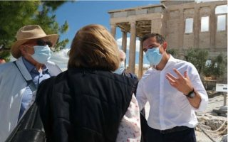tsipras-slams-cultural-abuse-on-acropolis-hill