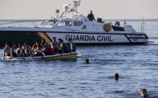 greece-expresses-solidarity-with-spain-over-migrant-crisis