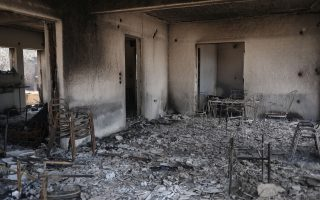 greek-villages-monasteries-evacuated-as-fire-damages-homes