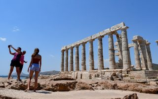 greece-woos-foreign-tourists-as-it-reopens