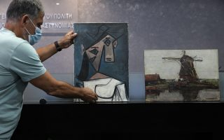 recovery-of-stolen-paintings-a-special-day-says-culture-minister