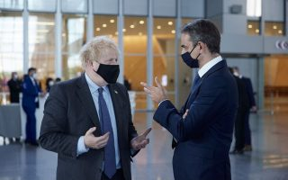 mitsotakis-urges-johnson-to-lift-travel-restrictions-for-greece