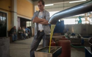greek-olive-oil-losing-to-tunisian-in-canada