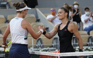 krejcikova-beats-sakkari-in-dramatic-french-open-semi-final