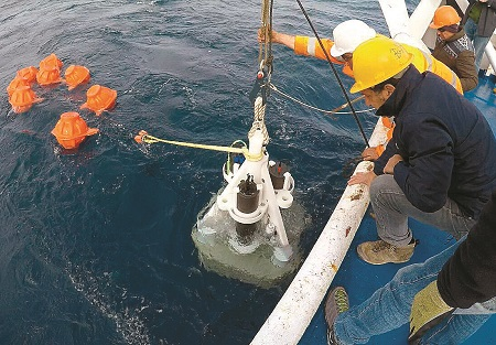 santorini-s-underwater-kolumbo-volcano-under-observation1