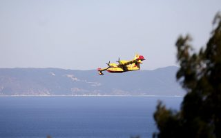 fire-breaks-out-on-island-of-aegina