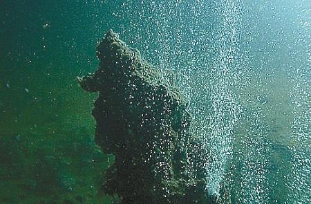 santorini-s-underwater-kolumbo-volcano-under-observation3