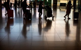 us-cdc-eases-travel-recommendations-on-61-countries-including-greece