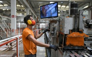 greek-metalworking-firm-offers-workers-cash-bonus-for-covid-19-vaccinations