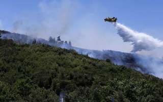 fire-breaks-out-close-to-athens