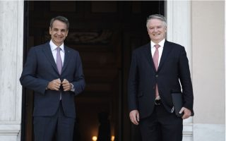 oecd-head-praises-mitsotakis-for-government-reforms