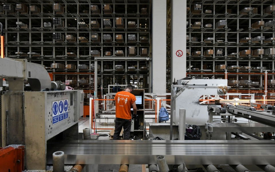 greek-metalworking-firm-offers-workers-cash-bonus-for-covid-19-vaccinations1