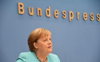 merkel-praises-turkey-over-refugees-but-does-not-see-it-joining-eu