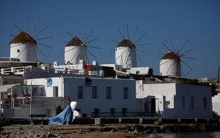 covid-restrictions-imposed-on-mykonos-to-be-lifted-on-july-26