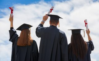 us-unis-attract-growing-number-of-greek-students