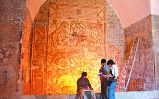 valuable-syrian-mosaics-on-show-in-athens
