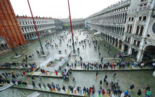 european-cities-want-to-limit-tourist-traffic