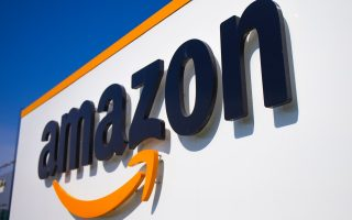 government-signs-space-deal-with-amazon
