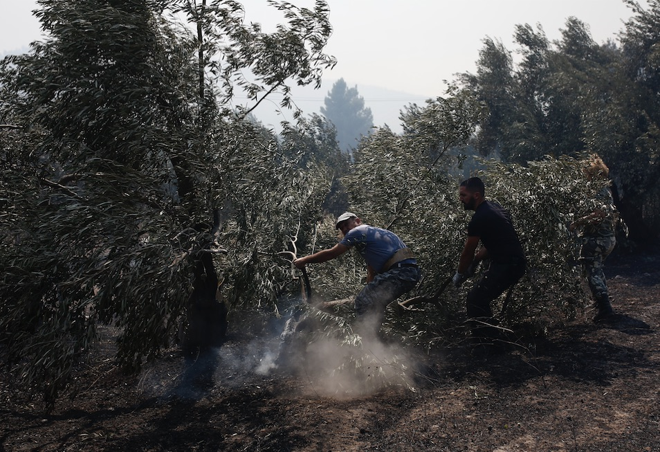 two-new-blazes-break-out-amid-strong-winds-two-villages-evacuated1