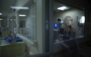 coronavirus-25-more-deaths-282-intubated-patients
