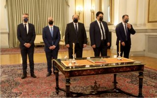 newly-sworn-in-ministers-speak-of-hard-work-ahead-after-devastating-fires
