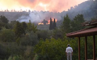 peloponnese-evia-fires-stoked-by-fresh-conflagrations