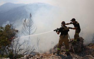 firefighters-battling-resurgence-in-western-attica