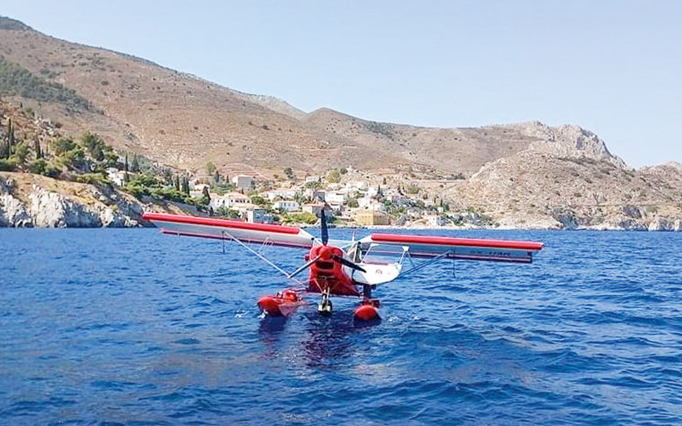 island-of-hydra-pays-tribute-to-a-crazy-intrepid-aviator3