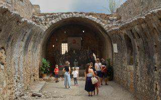 night-curfew-introduced-in-third-regional-unit-on-crete
