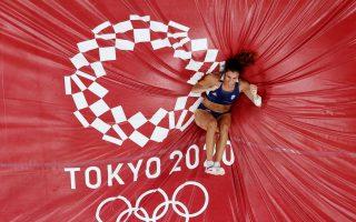 stefanidi-into-olympic-pole-vault-final