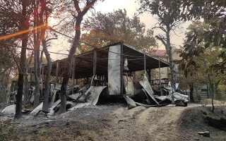 fire-destroys-at-least-two-containers-at-tatoi-former-royal-estate