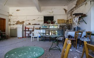 three-quarters-of-earthquake-stiken-homes-on-crete-temporarily-uninhabitable