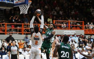 first-trophy-for-greek-hoopsters-this-season