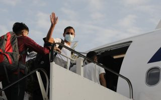 eleven-unaccompanied-refugee-and-migrant-children-depart-for-france