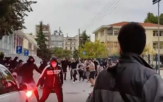 teenagers-involved-in-violent-clash-outside-thessaloniki-school