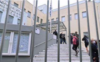 quiet-day-at-thessaloniki-school-as-police-circles-block