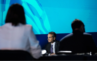 mitsotakis-vows-to-crack-down-on-migrant-traffickers