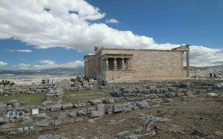 acropolis-site-closed-to-the-public-on-sunday-morning