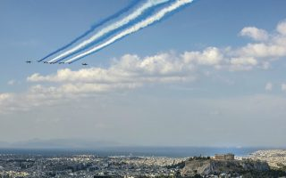 french-aerobatic-teams-fly-over-the-acropolis