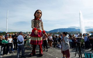 puppet-makes-cross-europe-trek-to-support-child-refugees