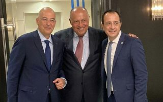 dendias-meets-egypt-cyprus-counterparts-in-ny