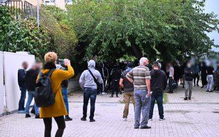police-fire-tear-gas-as-fresh-violence-breaks-out-outside-thessaloniki-school