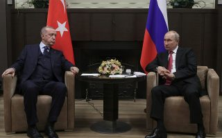 turkey-looking-at-further-defense-cooperation-with-russia-says-erdogan