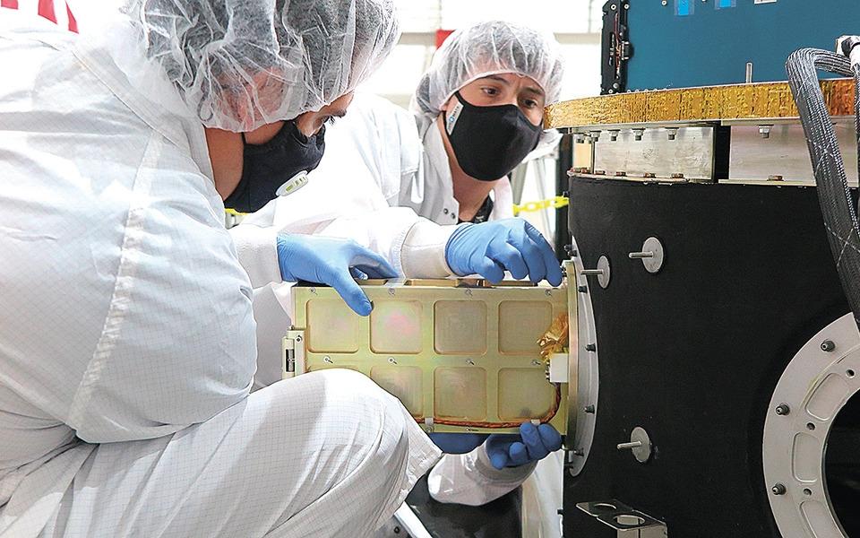 tiny-greek-satellites-almost-make-it-to-space1