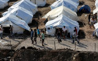 number-of-migrants-on-greek-islands-drops-by-81-pct-ministry-data-shows
