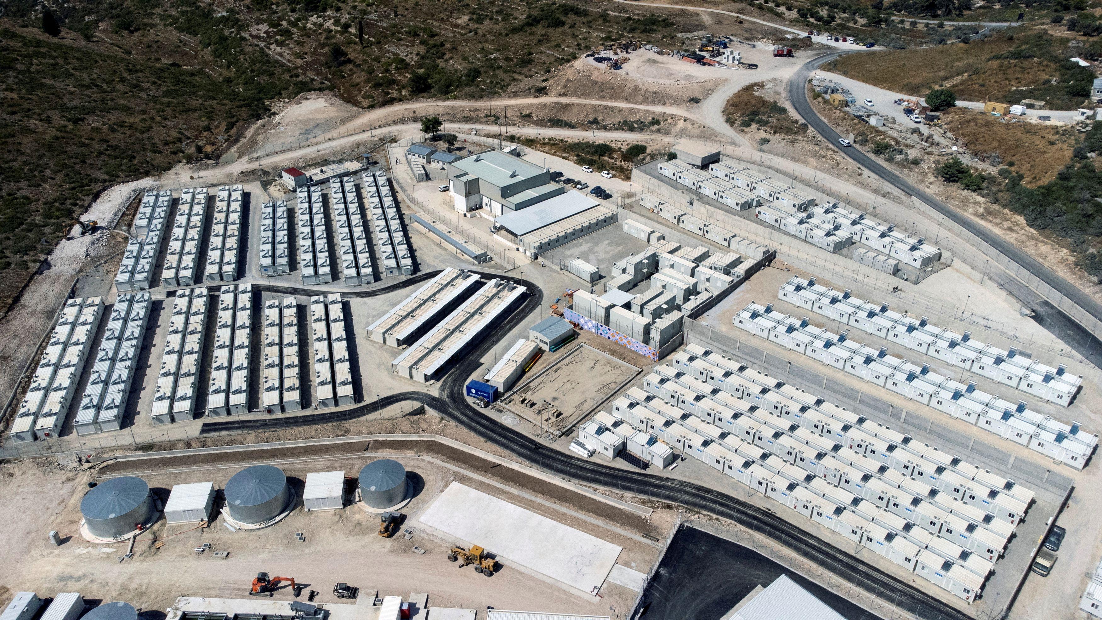 vathy-migrant-facility-opens1