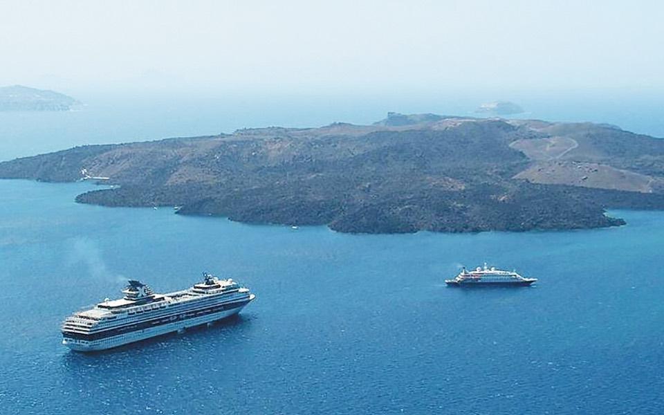 Digging deep to unlock the past and future in Santorini   eKathimerini.com